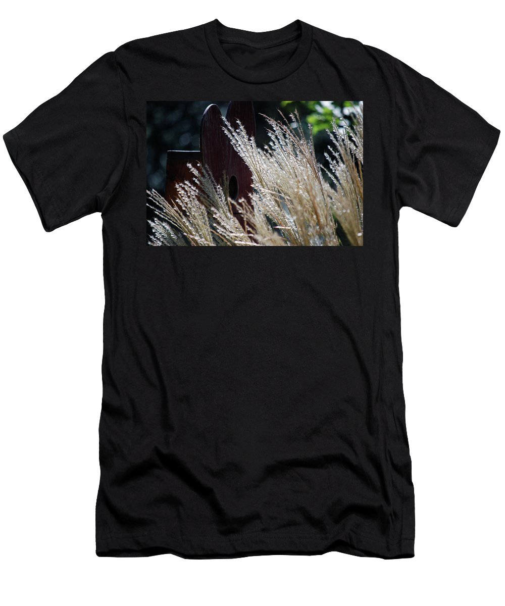 Birdhouse Men's T-Shirt (Athletic Fit) featuring the photograph Home Behind The Grass by Lori Tambakis