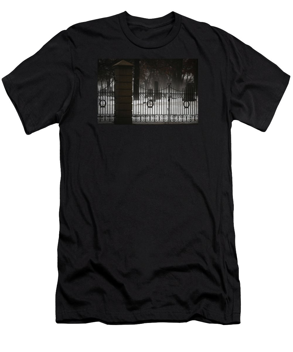 Fence Men's T-Shirt (Athletic Fit) featuring the photograph Hopeful Expectation by Linda Shafer