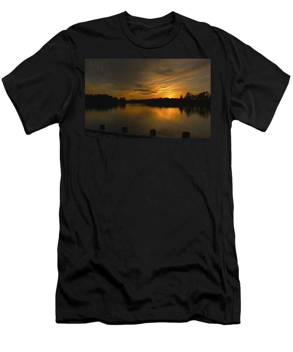 Sunset Men's T-Shirt (Athletic Fit) featuring the photograph Horicon Lake, Lakehurst, Nj by Images By CEF