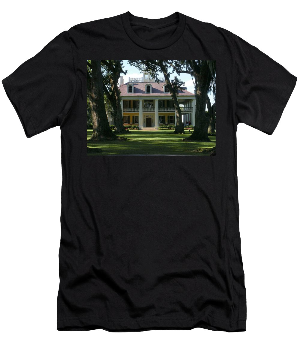 Houmas Men's T-Shirt (Athletic Fit) featuring the photograph Houmas House Plantation by Nelson Strong