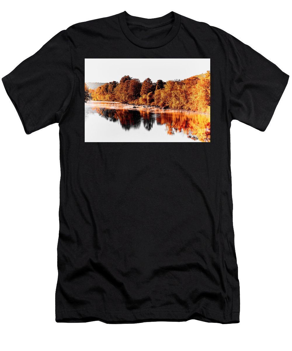Connecticut Men's T-Shirt (Athletic Fit) featuring the photograph Housatonic River Mist by Grant Dupill