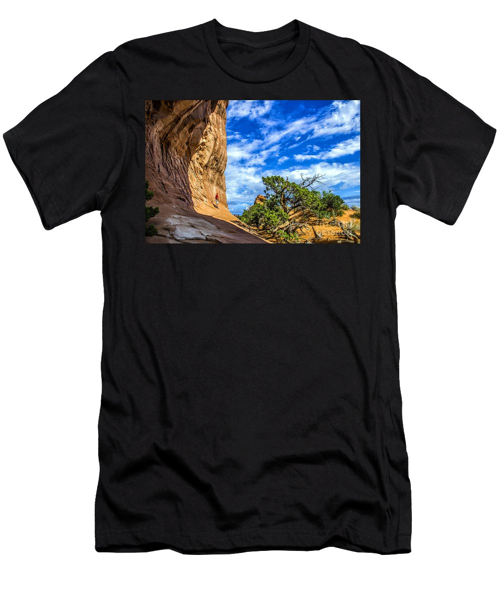 Arches Men's T-Shirt (Athletic Fit) featuring the photograph Human Insignificance by Roberta Bragan