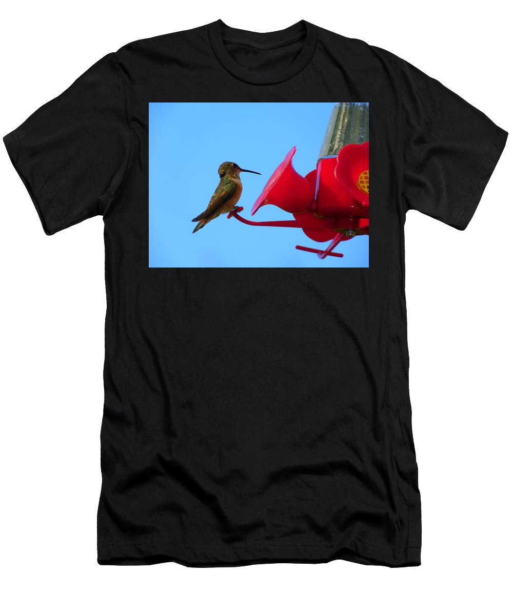 Digital Photography Men's T-Shirt (Athletic Fit) featuring the photograph Humming In On The New Feed Sack by Laurie Kidd