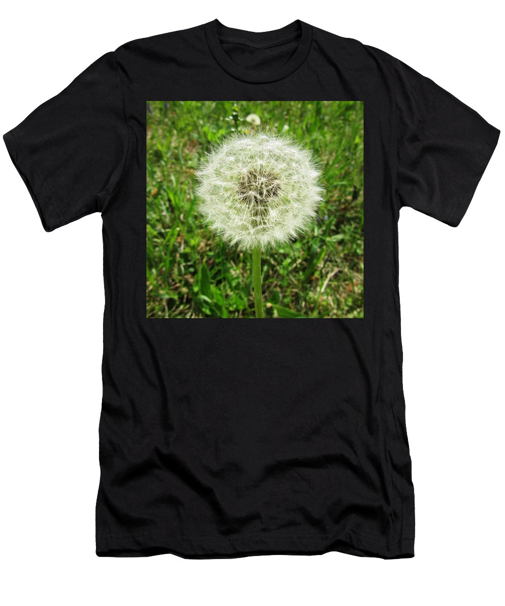 Seed Men's T-Shirt (Athletic Fit) featuring the photograph I Was Yellow by Vesna Martinjak
