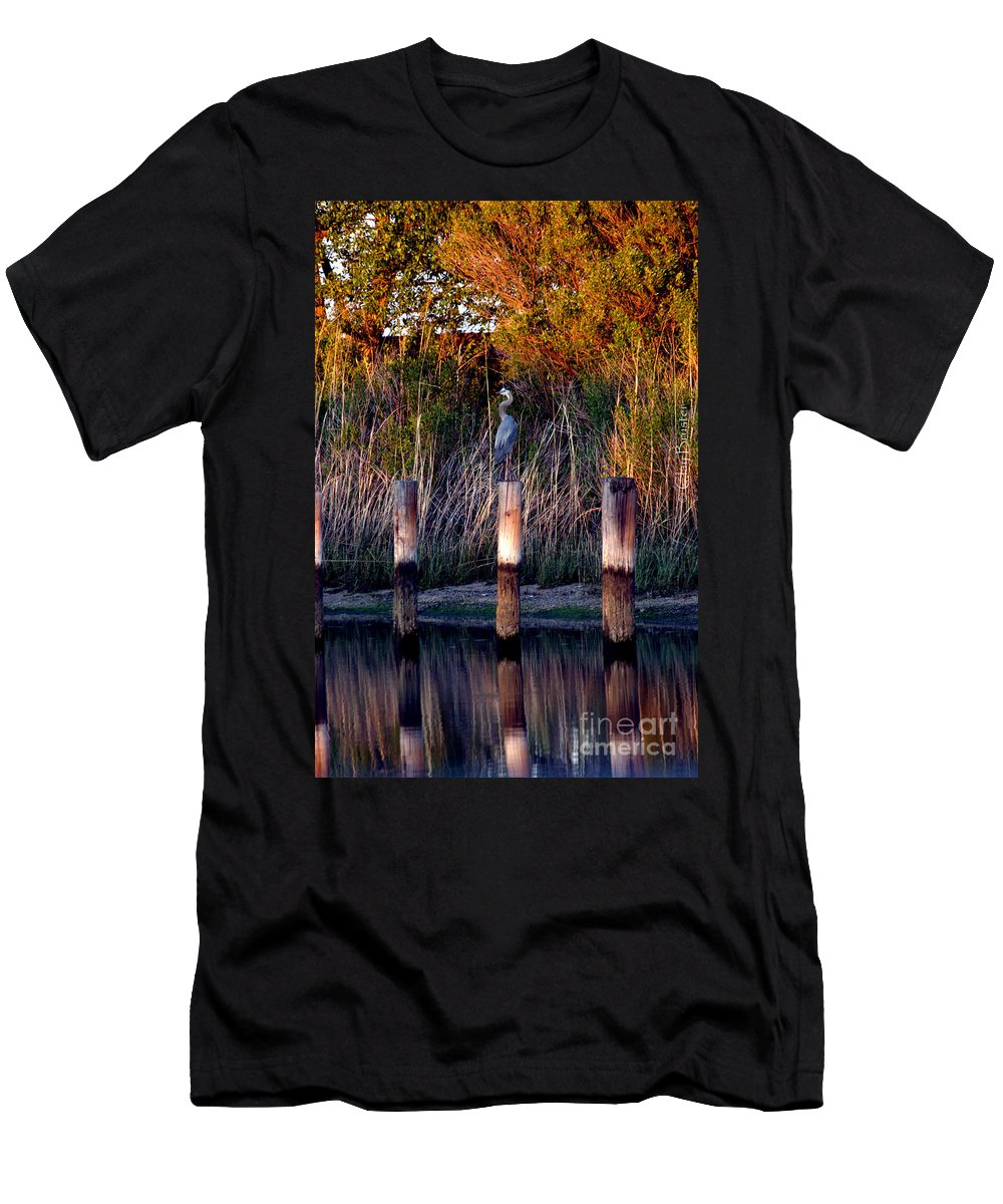 Clay Men's T-Shirt (Athletic Fit) featuring the photograph Illusion by Clayton Bruster