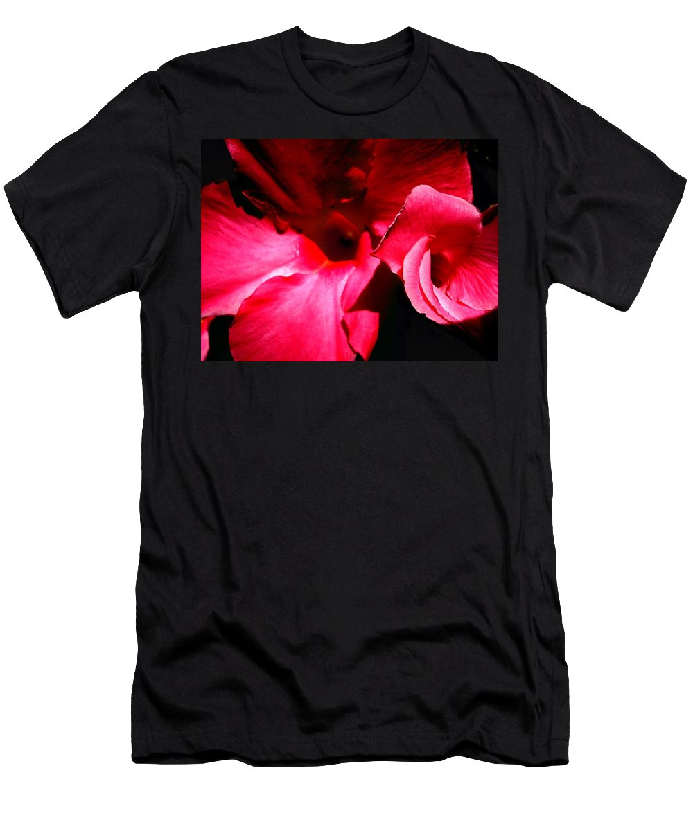 Flowers Men's T-Shirt (Athletic Fit) featuring the photograph In The Pink 1 by Nelson F Martinez