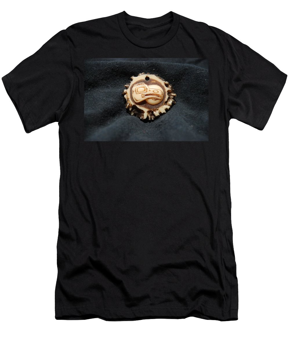 Indian Art Men's T-Shirt (Athletic Fit) featuring the photograph Indian Eagle Head by Rob Hans