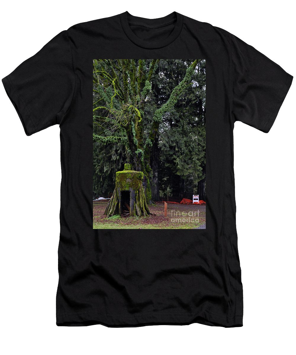 Clay Men's T-Shirt (Athletic Fit) featuring the photograph Infected by Clayton Bruster
