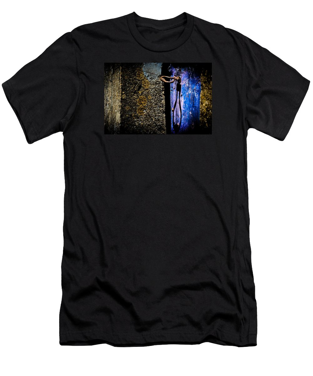 Blue Men's T-Shirt (Athletic Fit) featuring the photograph Inside by Edgar Laureano