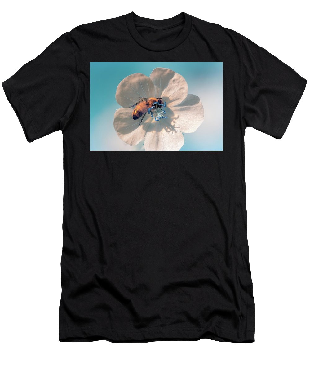 Men's T-Shirt (Athletic Fit) featuring the photograph Ir Bee 2 by Brian Hale