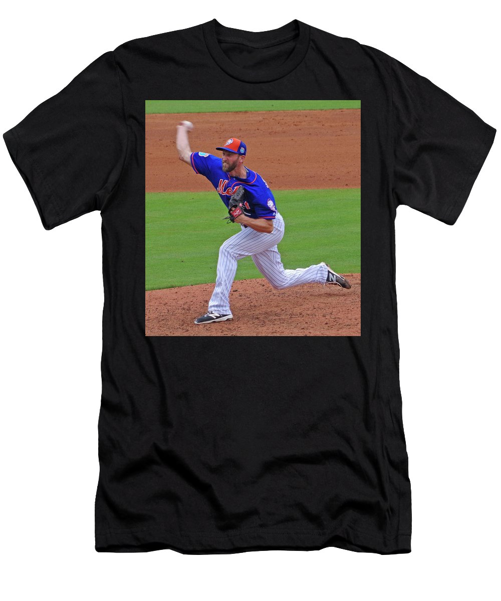 Pitcher Men's T-Shirt (Athletic Fit) featuring the photograph Jim Henderson New York Mets Pitcher by Bruce Roker