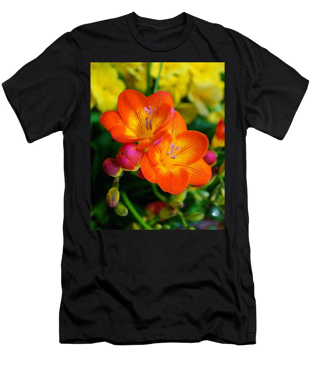 Chicago Botanic Garden Men's T-Shirt (Athletic Fit) featuring the photograph Joyous by Tim G Ross