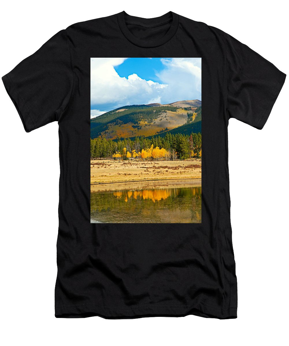 Kenosha Pass Men's T-Shirt (Athletic Fit) featuring the photograph Kenosha Pass Aspens 4 by Robert Meyers-Lussier