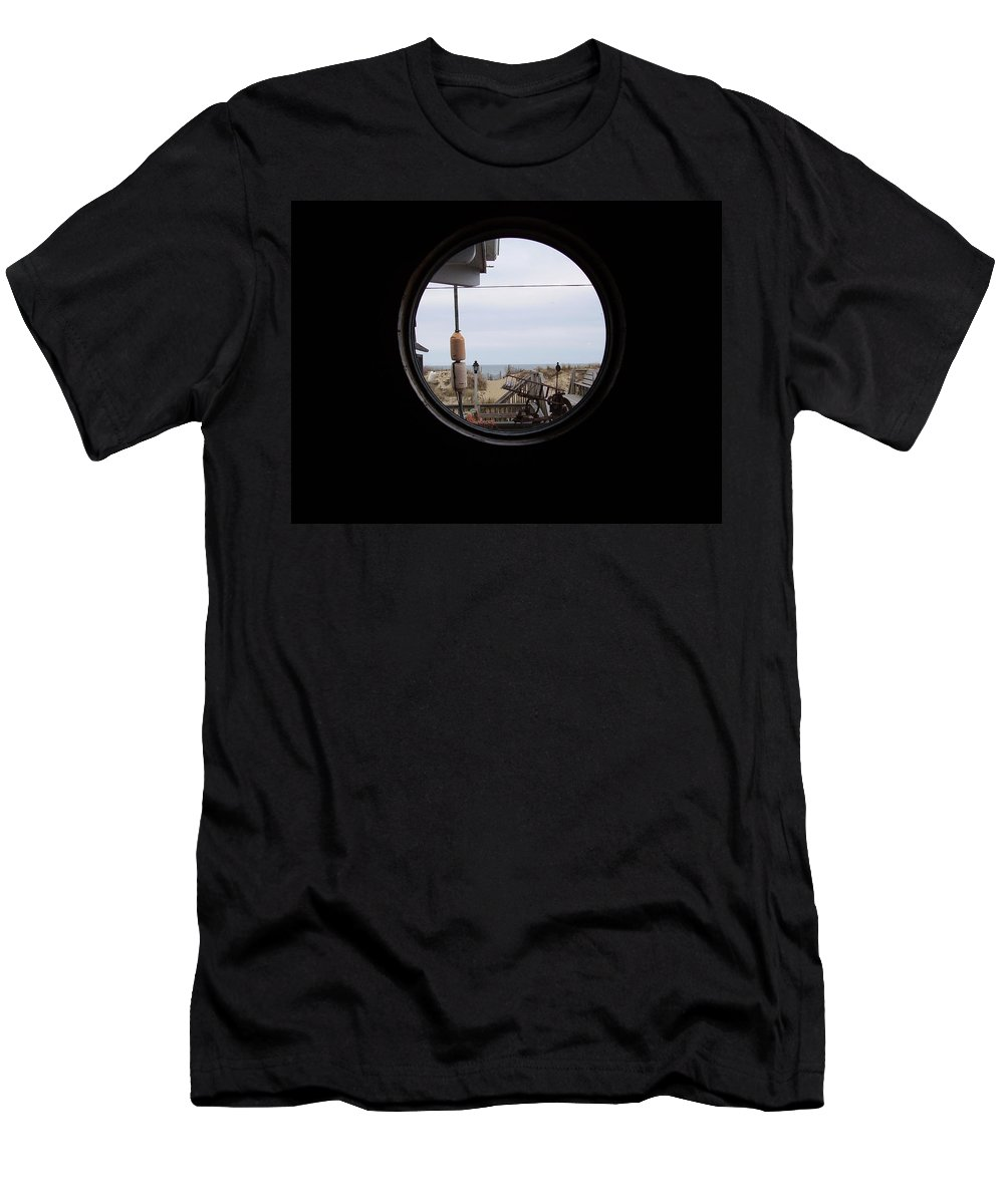Kitty Hawk Men's T-Shirt (Athletic Fit) featuring the photograph Kitty Hawk by Flavia Westerwelle