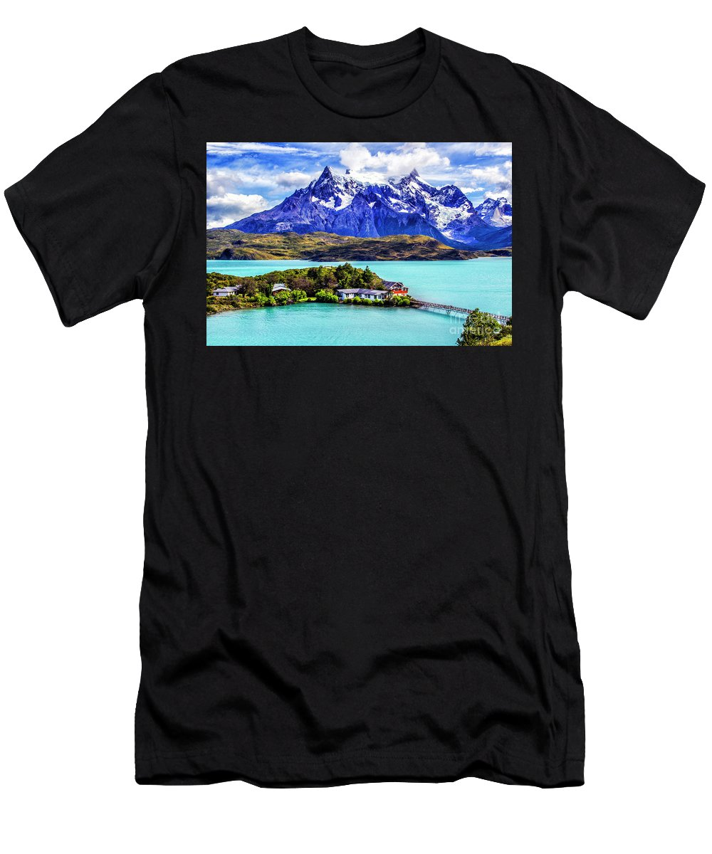 Patagonia Men's T-Shirt (Athletic Fit) featuring the photograph Lago Pehoe by Roberta Bragan
