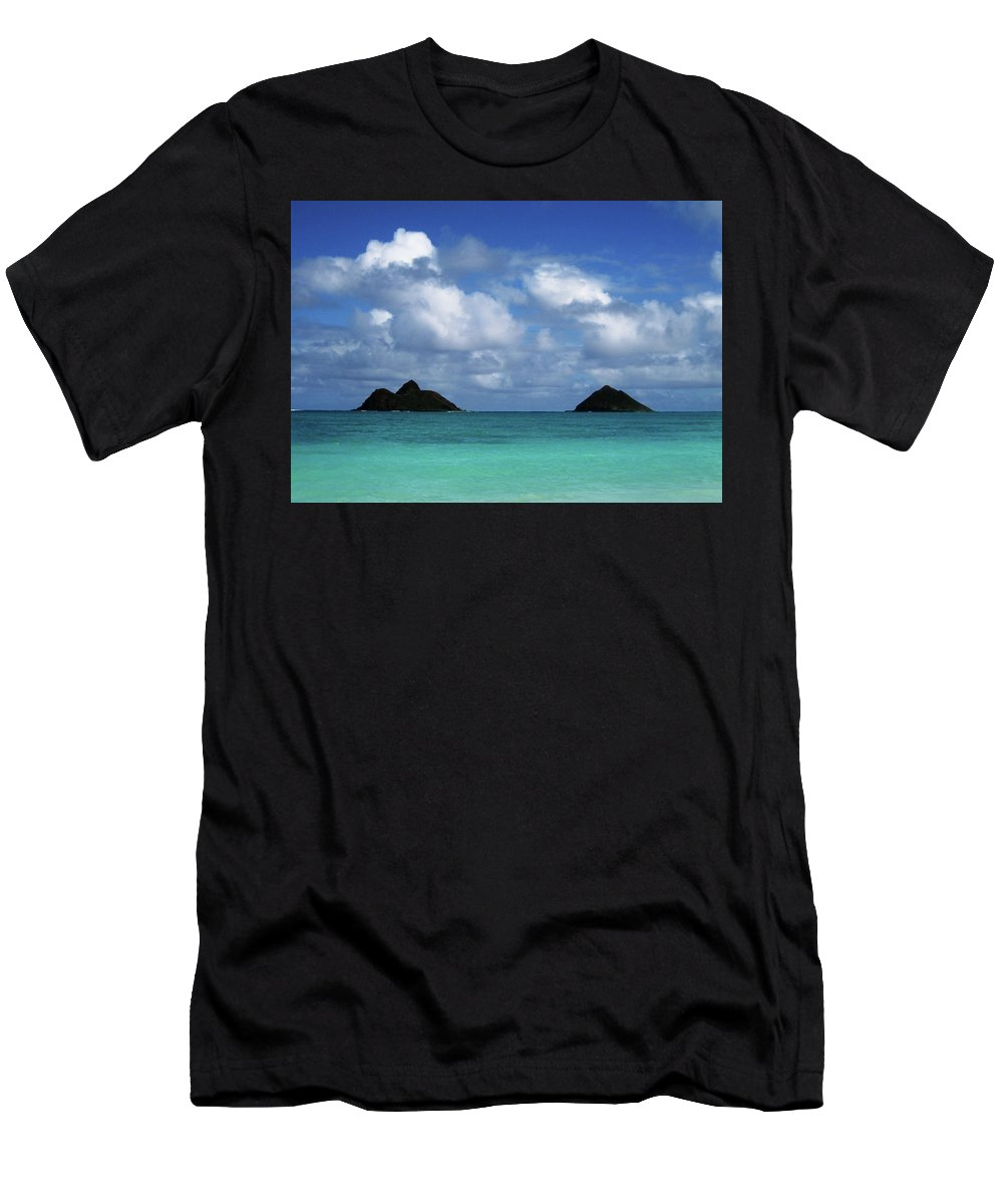 Hawaii Men's T-Shirt (Athletic Fit) featuring the photograph Lanikai by Art Shimamura
