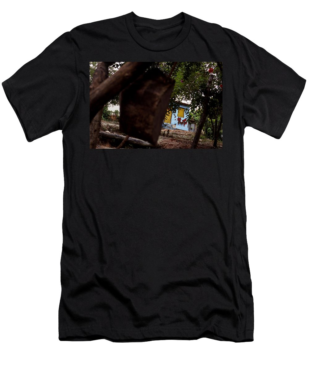 Dog Men's T-Shirt (Athletic Fit) featuring the photograph Lencois - Dog by Patrick Klauss