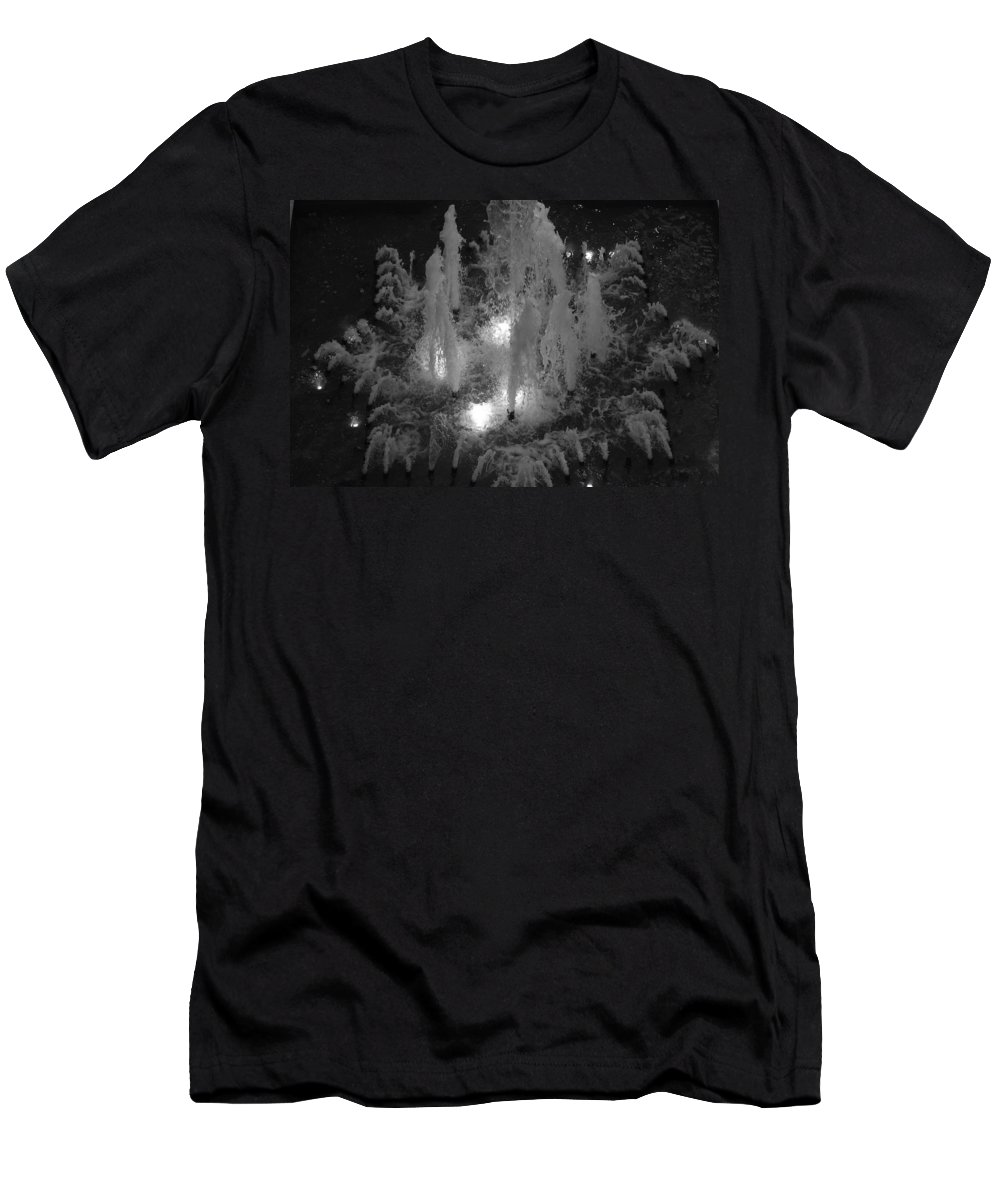 Fountian Men's T-Shirt (Athletic Fit) featuring the photograph Lighted Star Fountian by Rob Hans