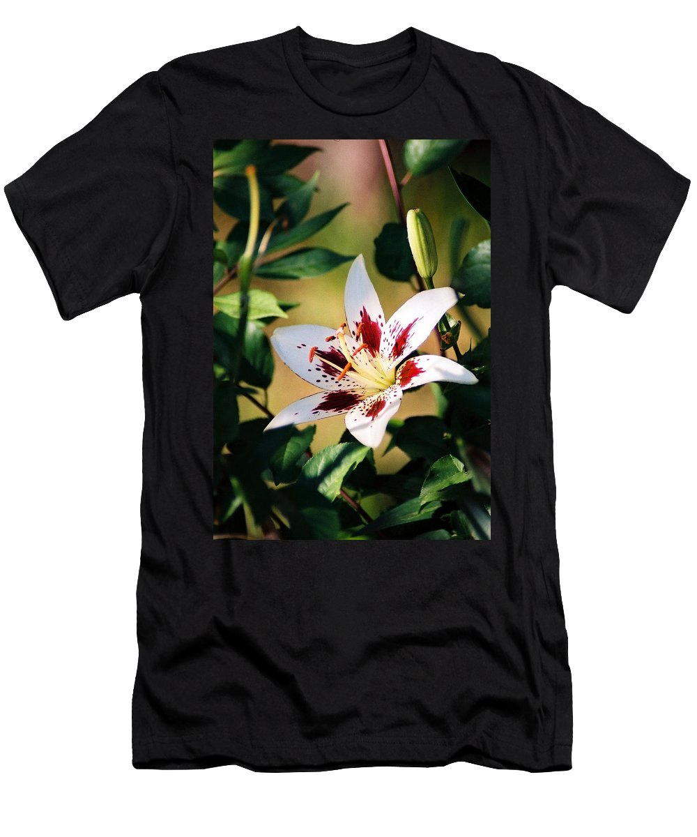 Flower Men's T-Shirt (Athletic Fit) featuring the photograph Lily by Steve Karol