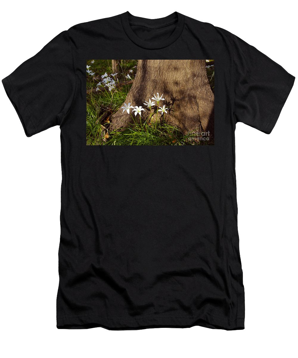 Atamasco Men's T-Shirt (Athletic Fit) featuring the photograph Lily's Atamasco by David Lee Thompson