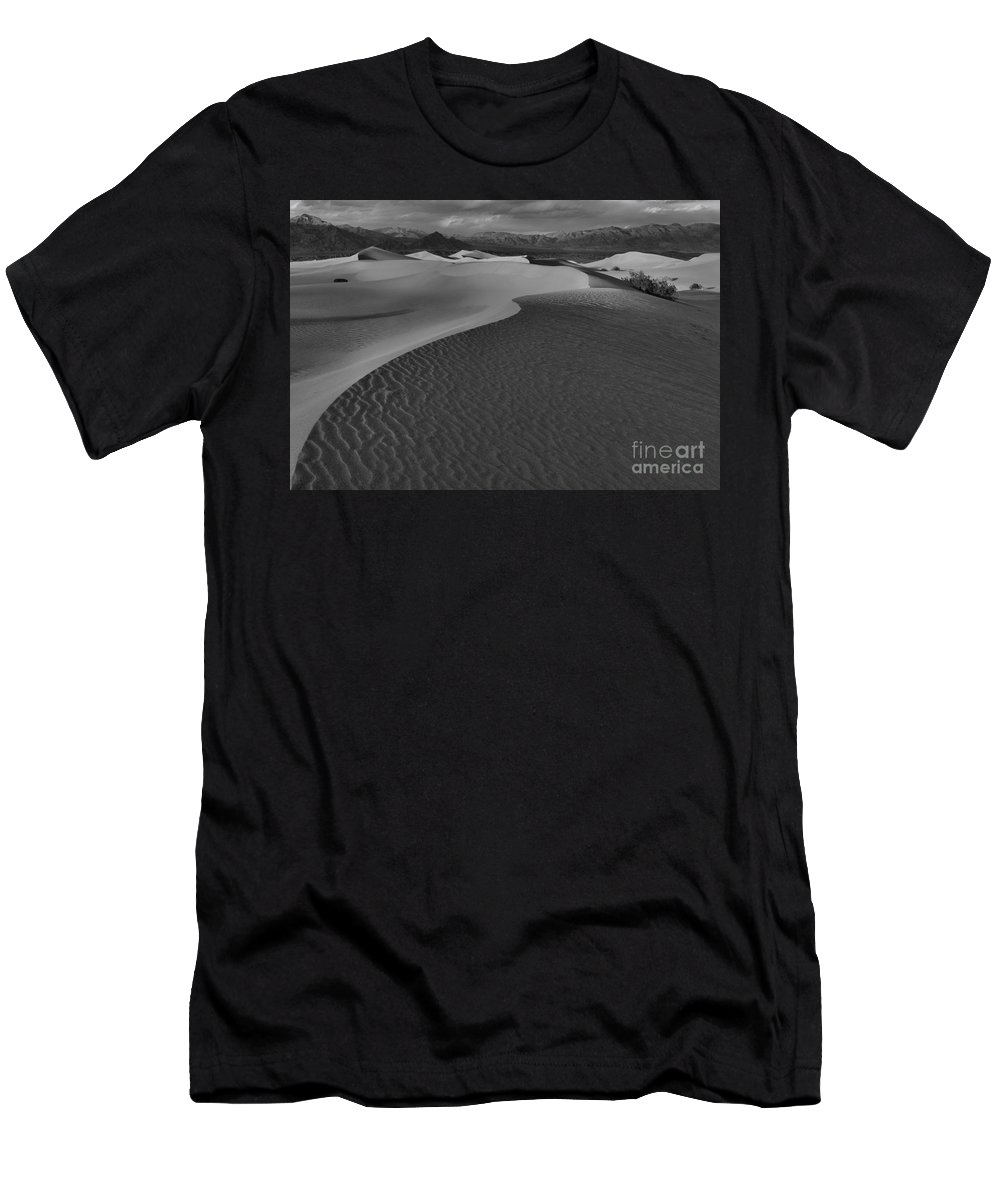Black And White Men's T-Shirt (Athletic Fit) featuring the photograph Line To Infinity by Adam Jewell