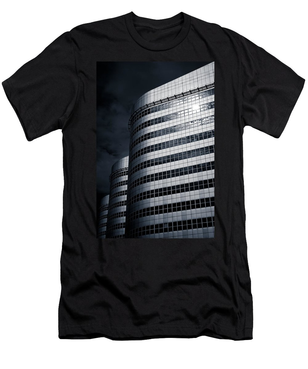 Architecture Men's T-Shirt (Athletic Fit) featuring the photograph Lines And Curves by Dave Bowman