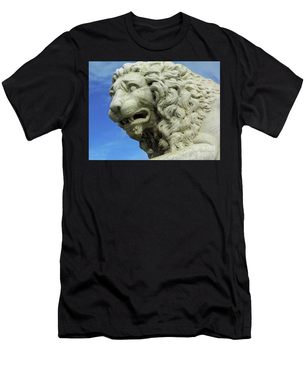 Statue Men's T-Shirt (Athletic Fit) featuring the photograph Lions Roar by D Hackett