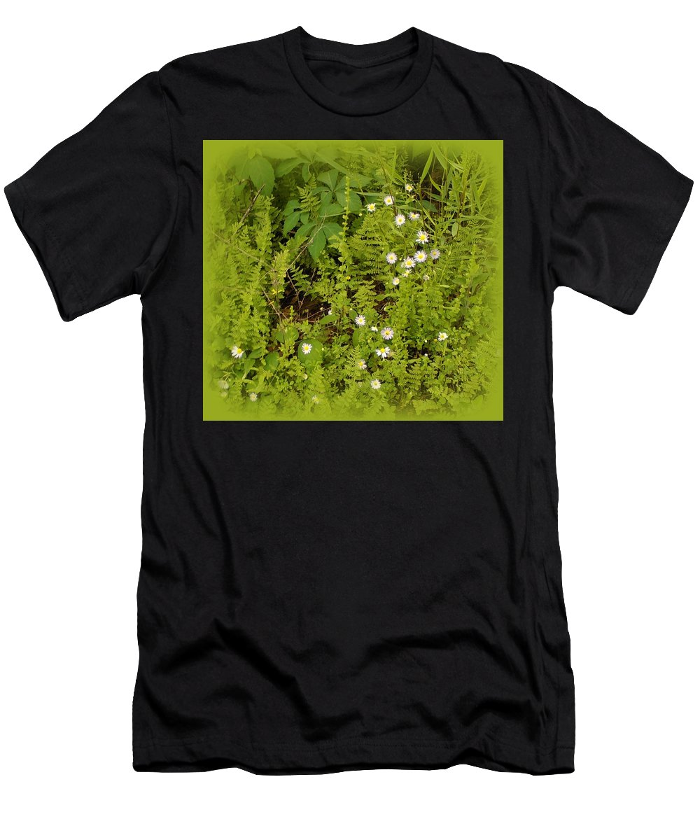 Woods Men's T-Shirt (Athletic Fit) featuring the photograph Little Daisy by Lesli Sherwin