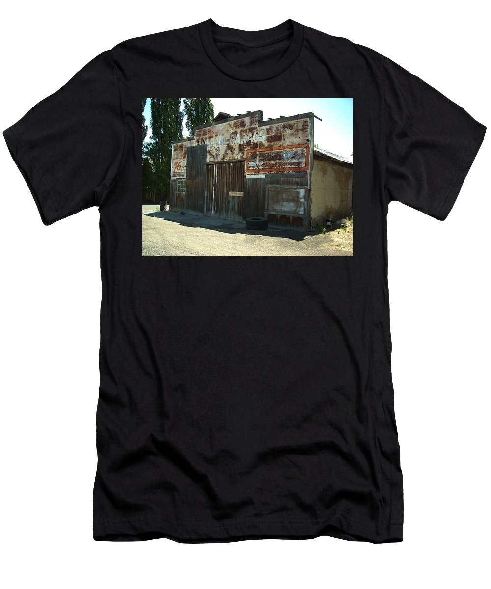 Shop Men's T-Shirt (Athletic Fit) featuring the photograph Lope Garage by Sara Stevenson