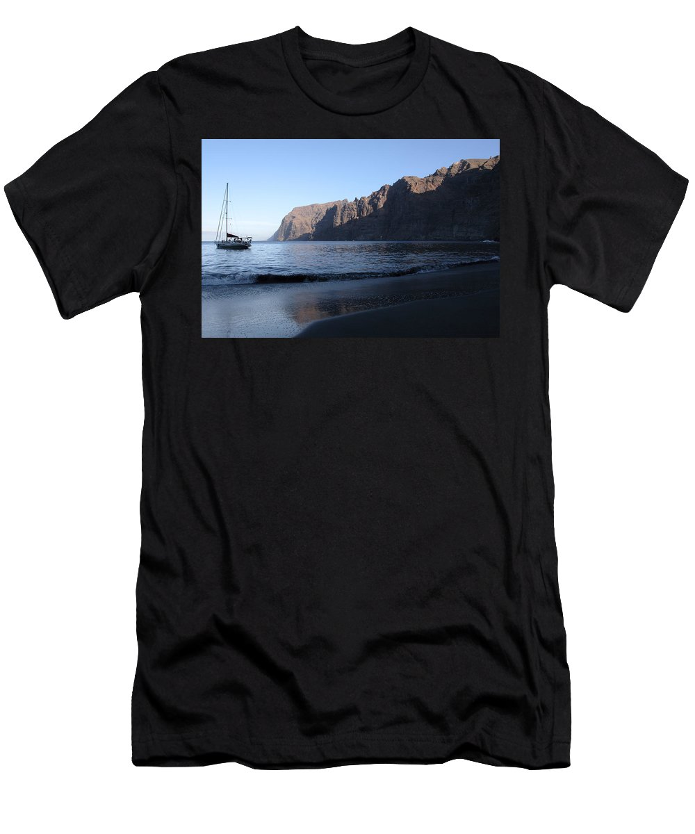 Seascape Men's T-Shirt (Athletic Fit) featuring the photograph Los Gigantes Yacht by Phil Crean