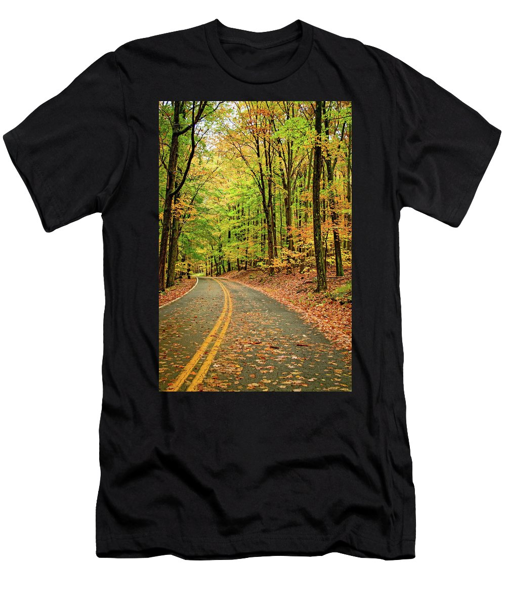 Landscape Men's T-Shirt (Athletic Fit) featuring the photograph Lost In Pennsylvania by Steve Harrington