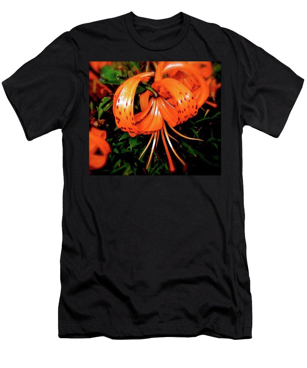 Macro Men's T-Shirt (Athletic Fit) featuring the photograph Lustre by Elizabeth Tillar