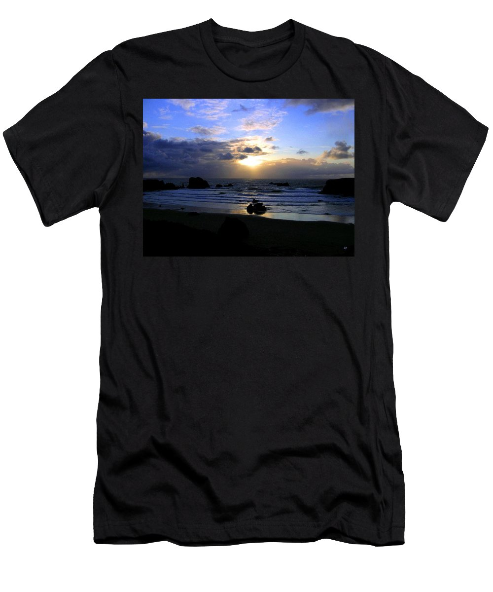Sunset Men's T-Shirt (Athletic Fit) featuring the photograph Magnificent Bandon Sunset by Will Borden