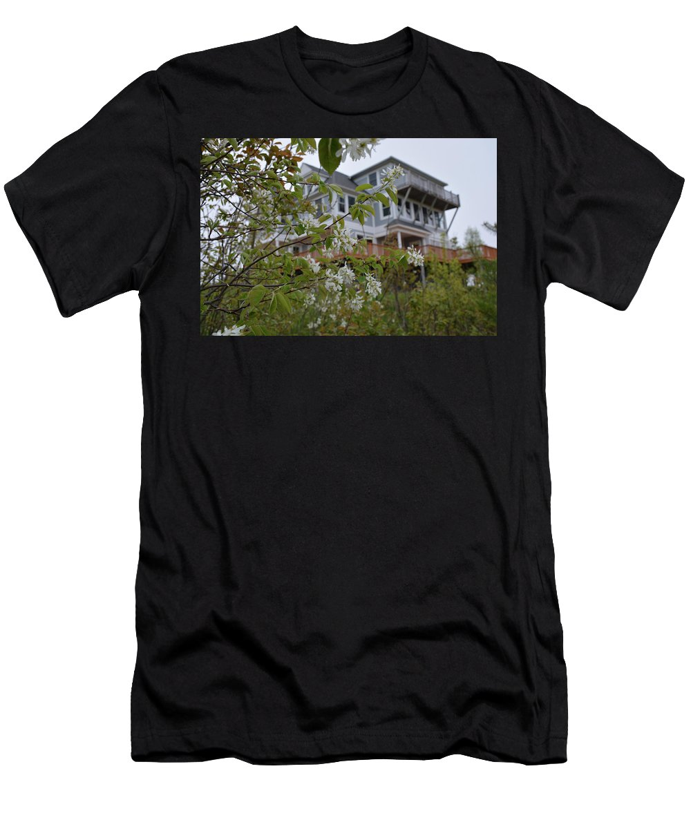 Home Men's T-Shirt (Athletic Fit) featuring the photograph Majestic Structure by Johnny Yen