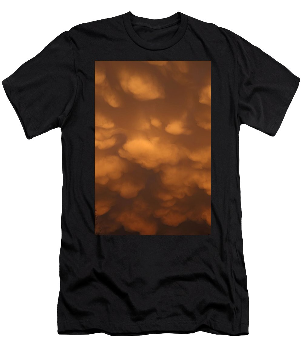 Clouds Men's T-Shirt (Athletic Fit) featuring the photograph Mammatus Clouds by Shoeless Wonder