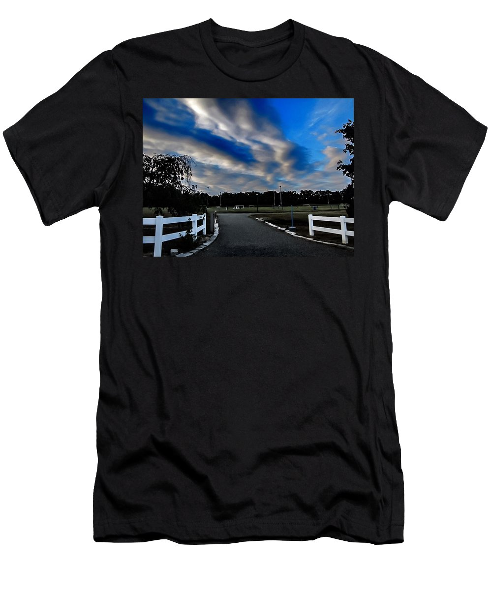 Park Men's T-Shirt (Athletic Fit) featuring the photograph Mantua Park by Carol McGinn