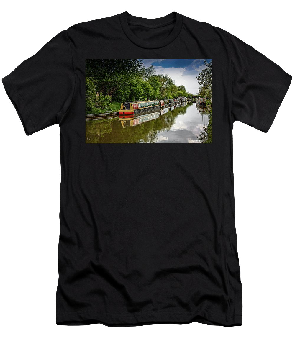 Boat Men's T-Shirt (Athletic Fit) featuring the photograph Mary Mae by Linda Foakes