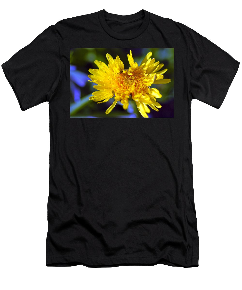 Flower Men's T-Shirt (Athletic Fit) featuring the photograph Mello Yello by Stephen Anderson