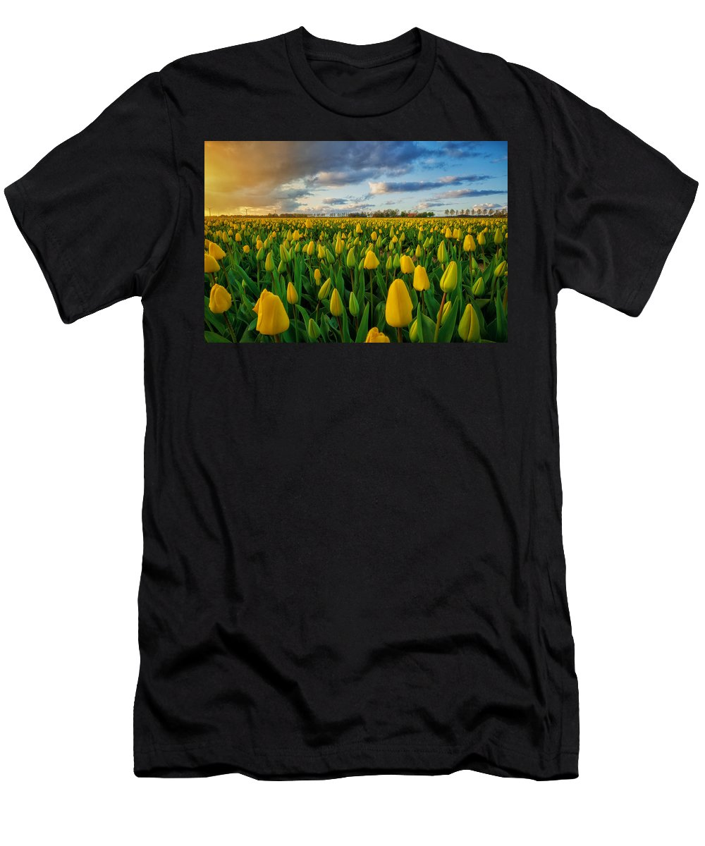 Sunset Men's T-Shirt (Athletic Fit) featuring the photograph Mellow Yellow by Martin Podt