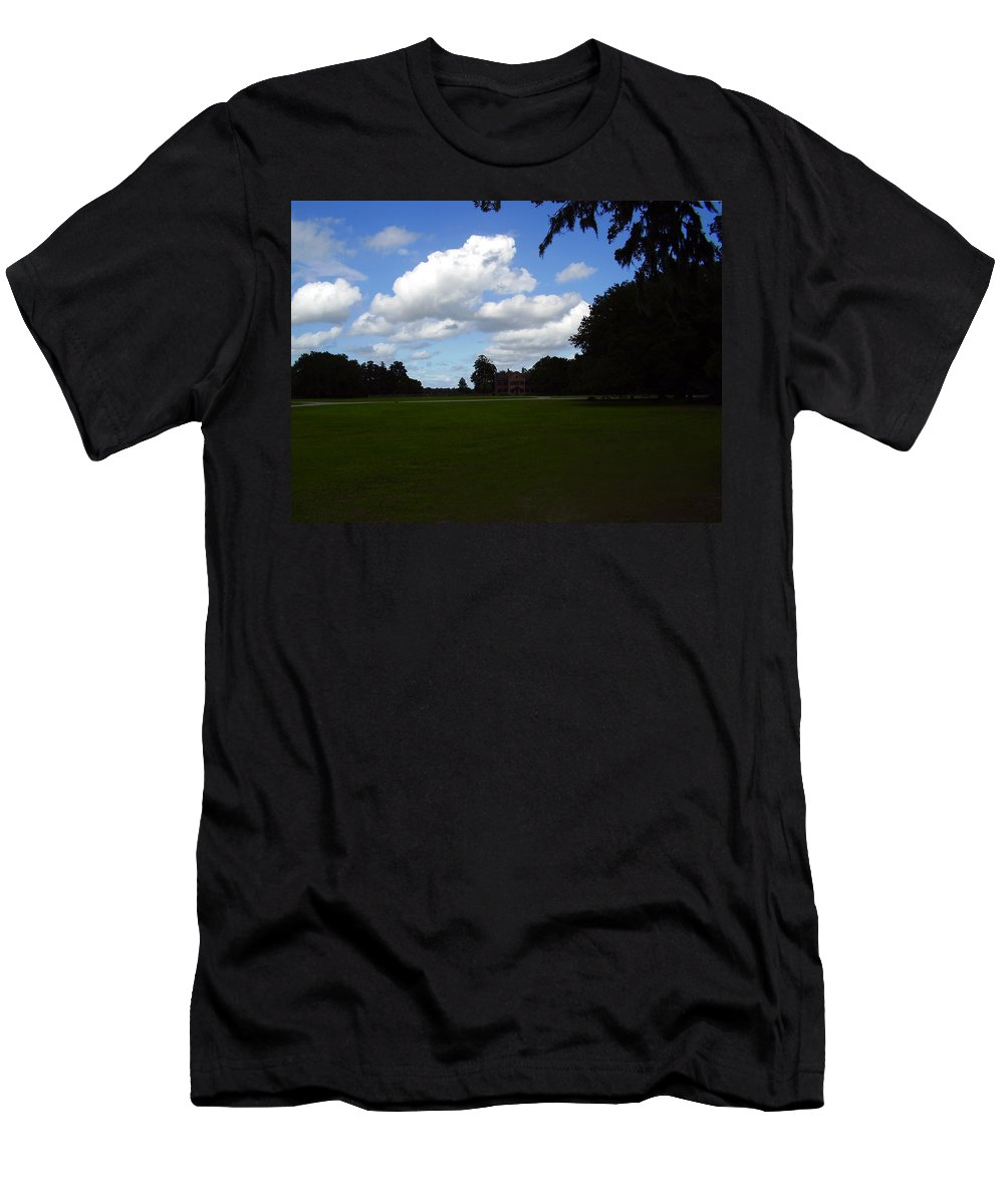 Middleton Place Men's T-Shirt (Athletic Fit) featuring the photograph Middleton Place by Flavia Westerwelle