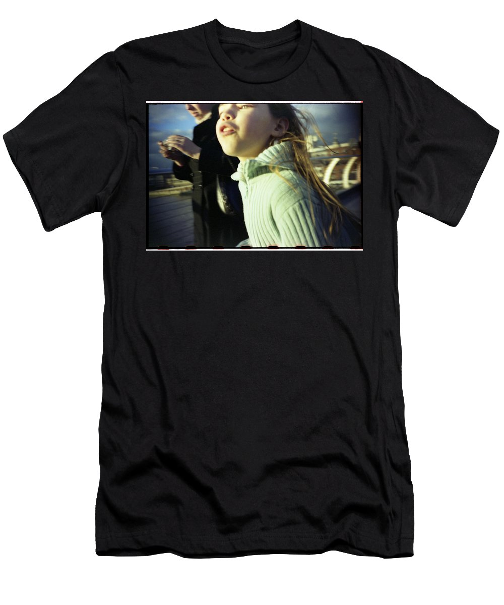 Uk Men's T-Shirt (Athletic Fit) featuring the photograph Millenium Bridge IIi by Rafa Rivas