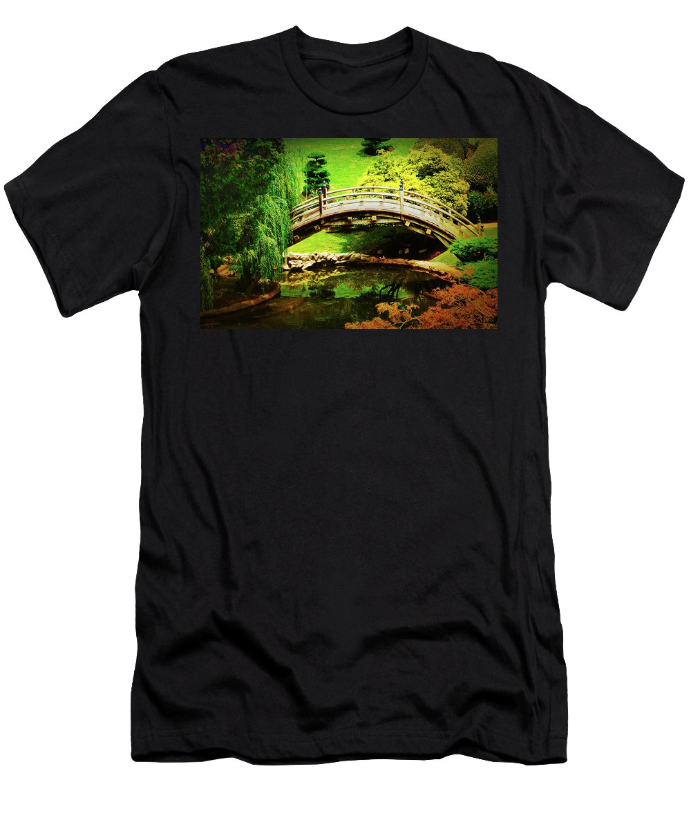Bridges Men's T-Shirt (Athletic Fit) featuring the photograph Moon Bridge At Huntington by Joseph Hollingsworth