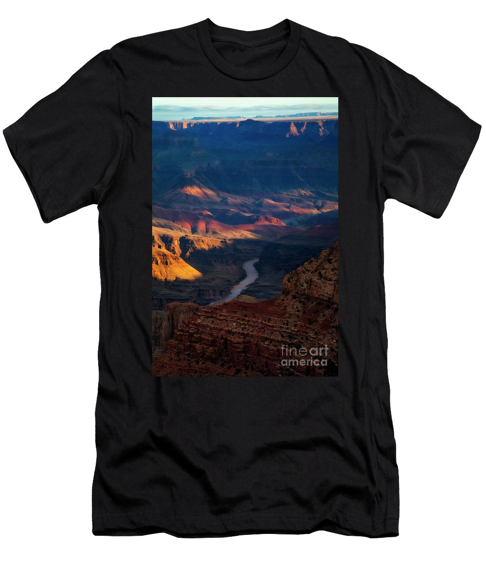 Grand Canyon Men's T-Shirt (Athletic Fit) featuring the photograph Moran Point 4 by Scott Kemper
