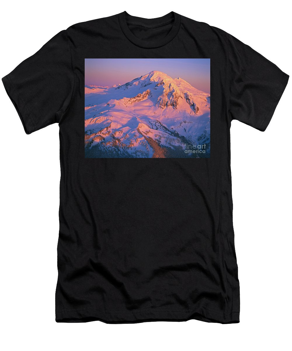 Alpine Men's T-Shirt (Athletic Fit) featuring the photograph Mount Baker At Sunset by John Chao
