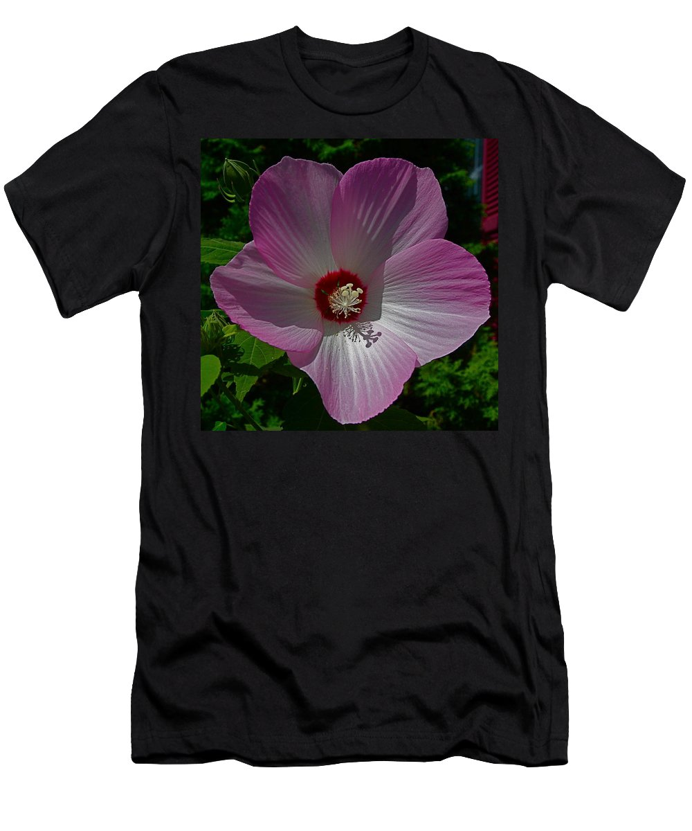 Flower Big Men's T-Shirt (Athletic Fit) featuring the photograph Mr. Big by Robert Pearson
