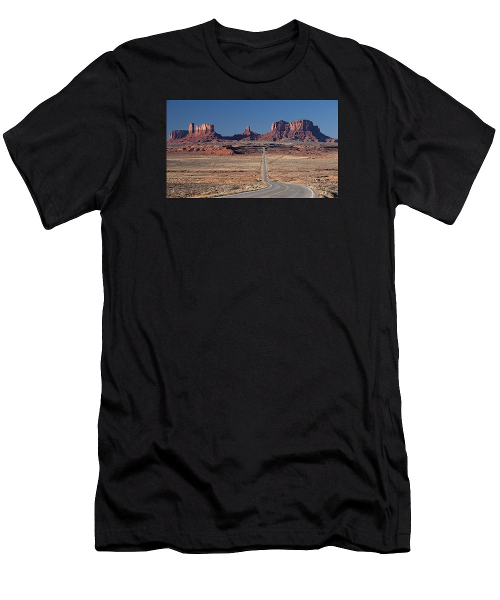 Forest Gump Men's T-Shirt (Athletic Fit) featuring the photograph Mv Forest Gump View 7678 by Bob Neiman