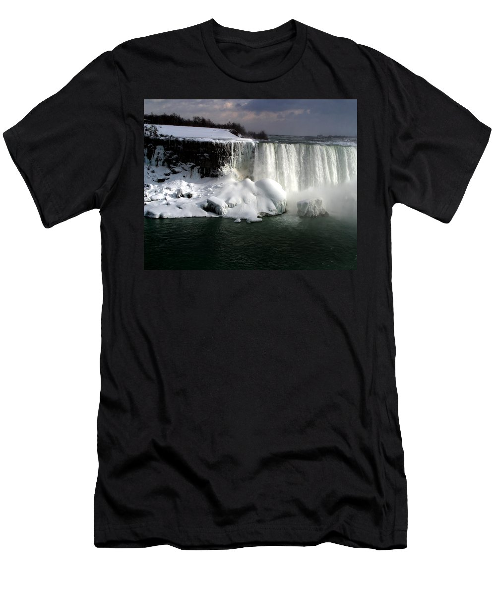 Landscape Men's T-Shirt (Athletic Fit) featuring the photograph Niagara Falls 6 by Anthony Jones
