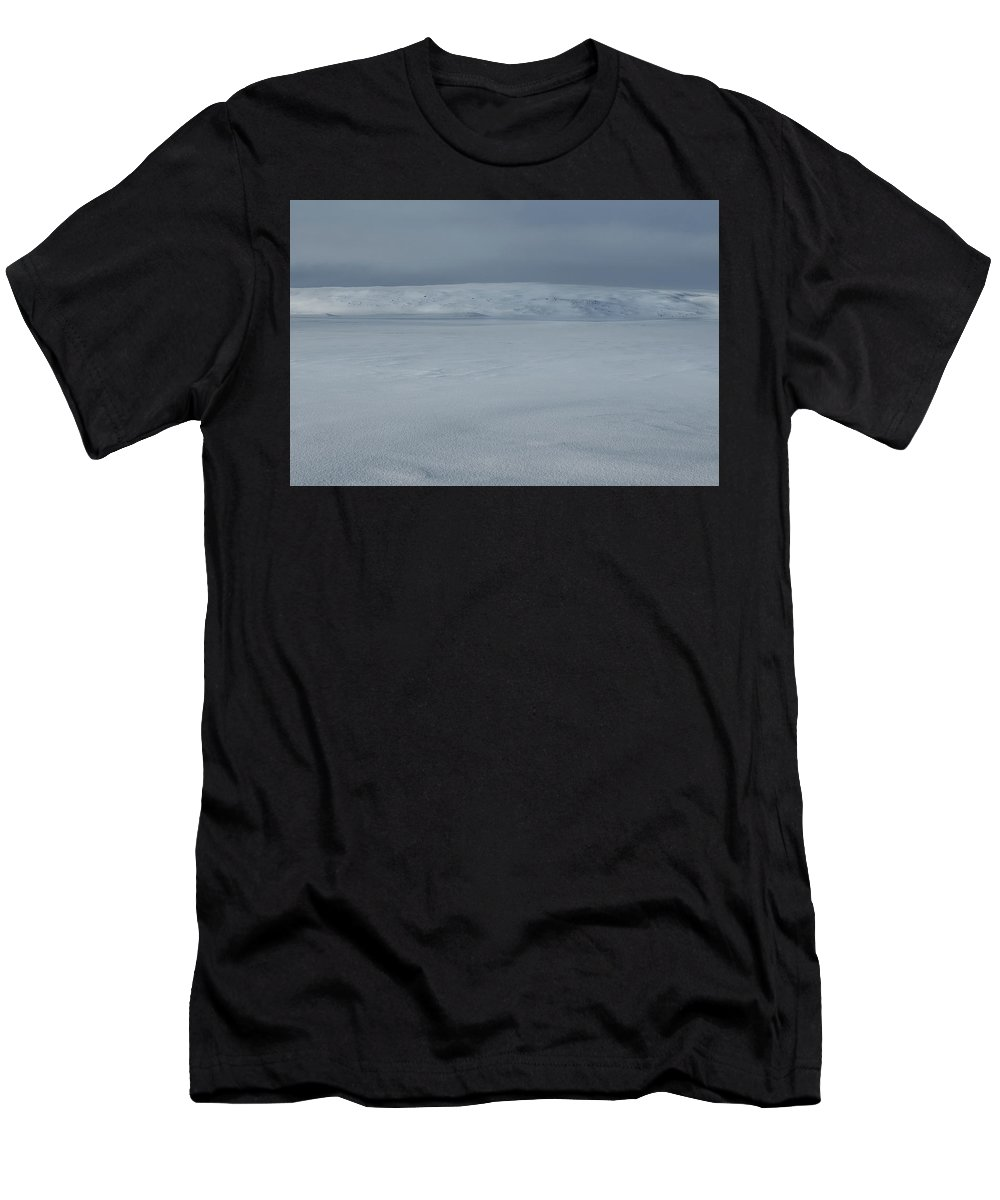 Iceland Men's T-Shirt (Athletic Fit) featuring the photograph North East Iceland Plateau by Andy Astbury