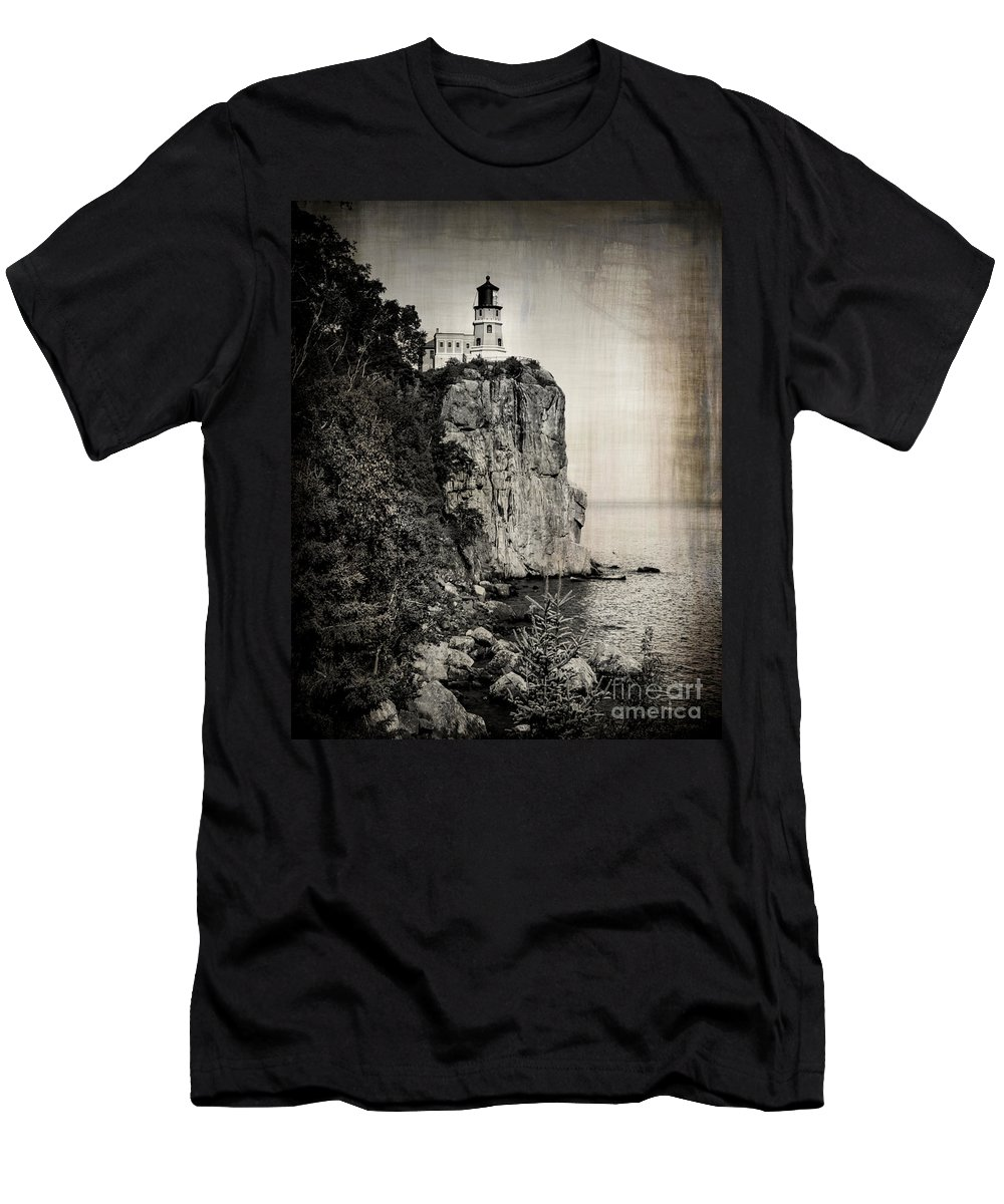 Lighthouse Men's T-Shirt (Athletic Fit) featuring the photograph Old Split Rock Lighthouse by Perry Webster