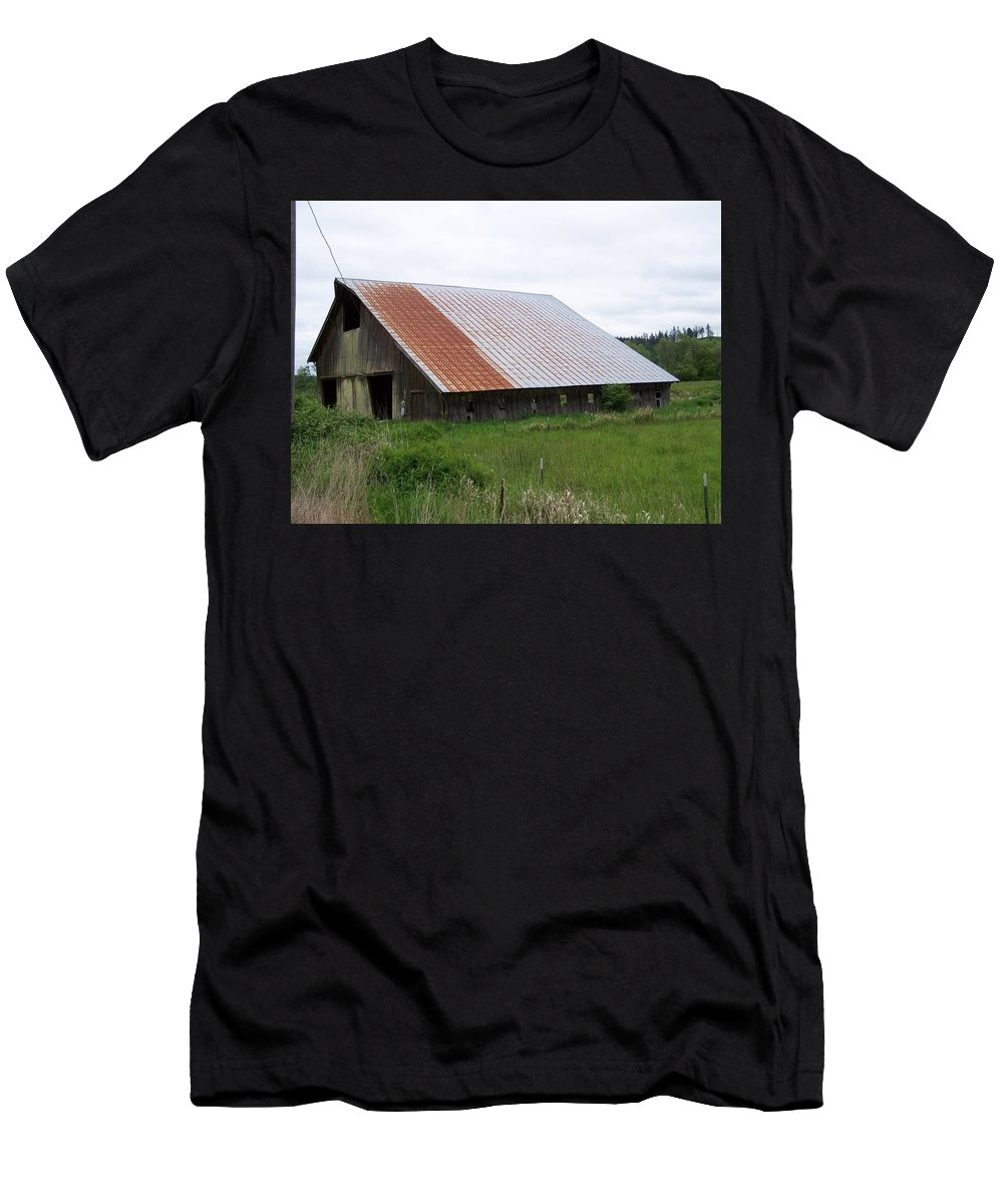 Barn Men's T-Shirt (Athletic Fit) featuring the photograph Old Tin Roof Barn Washington State by Laurie Kidd